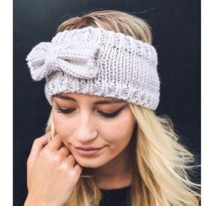 Accessories - 2 left! Ivory knit headband!